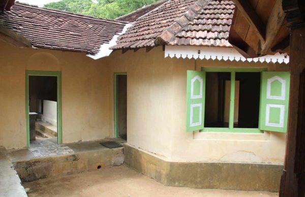 maduwanwela walawwa classic ancient room